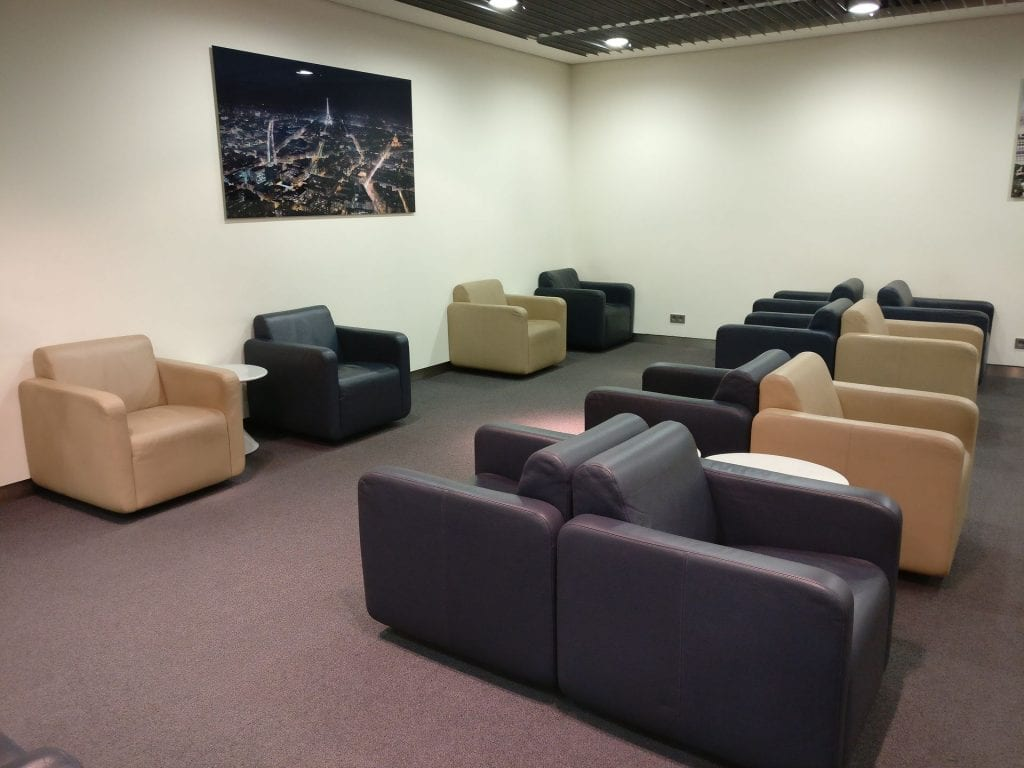 Lufthansa Business Lounge Paris Seating 5
