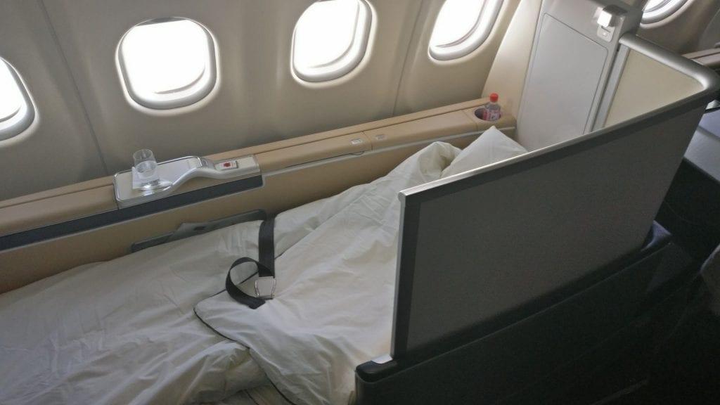 Lufthansa First Class Bed 3