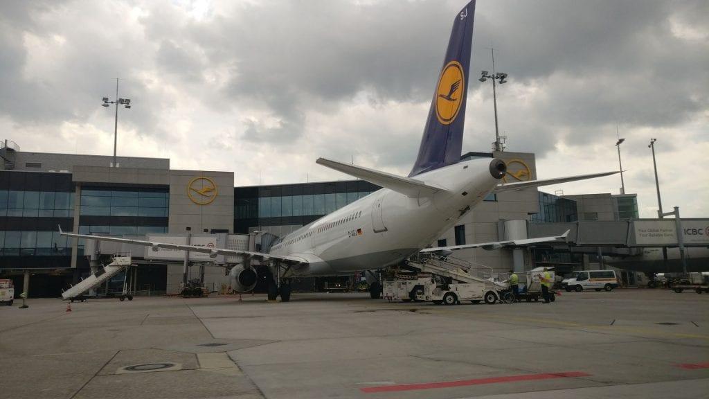 Lufthansa First Class Limousine 2