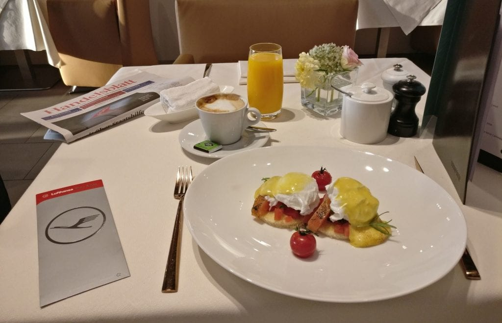 Lufthansa First Class Lounge Munich Breakfast