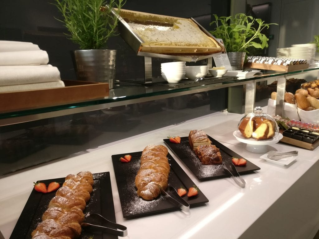 Lufthansa First Class Lounge Munich Buffet 5