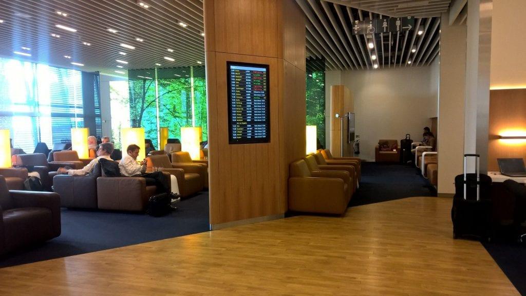 Lufthansa Senator Lounge London Seating 6
