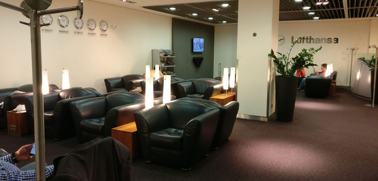 Lufthansa Senator Lounge Paris Seating 2
