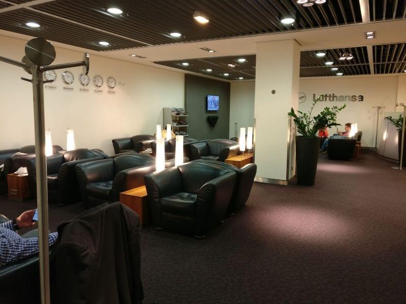 Lufthansa Senator Lounge Paris Seating 2