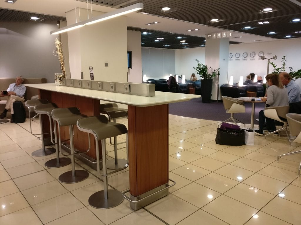 Lufthansa Senator Lounge Paris Seating 4