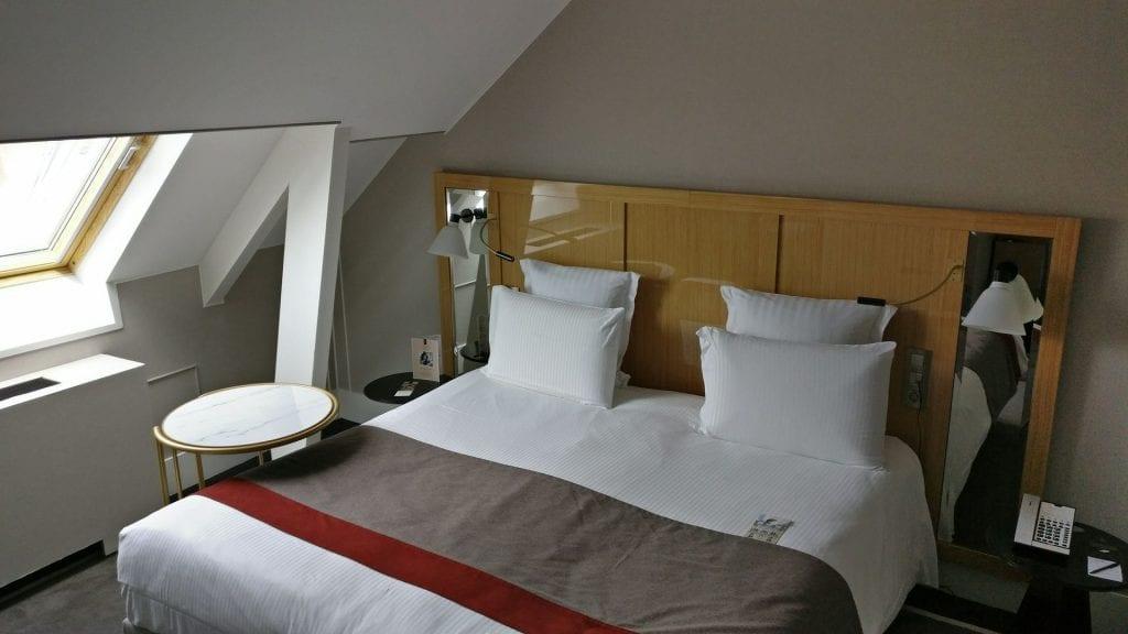 M Gallery L Echiquier Opera Paris Zimmer Bett 1