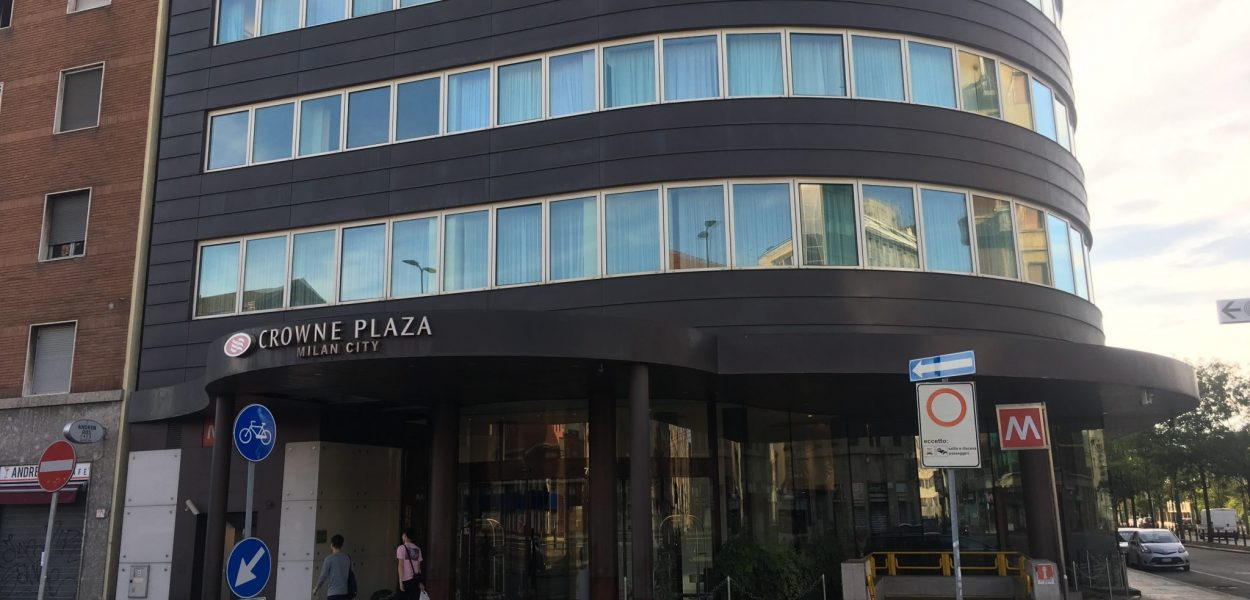 crowne plaza milan city outside