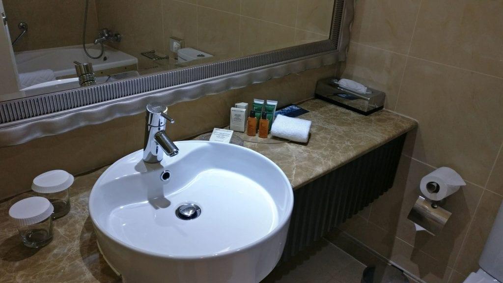 hilton abu dhabi badezimmer