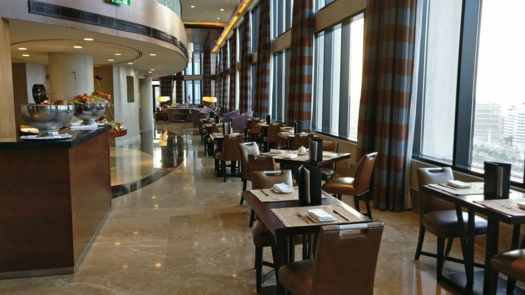 intercontinental abu dhabi club lounge sitzgelegenheiten 2