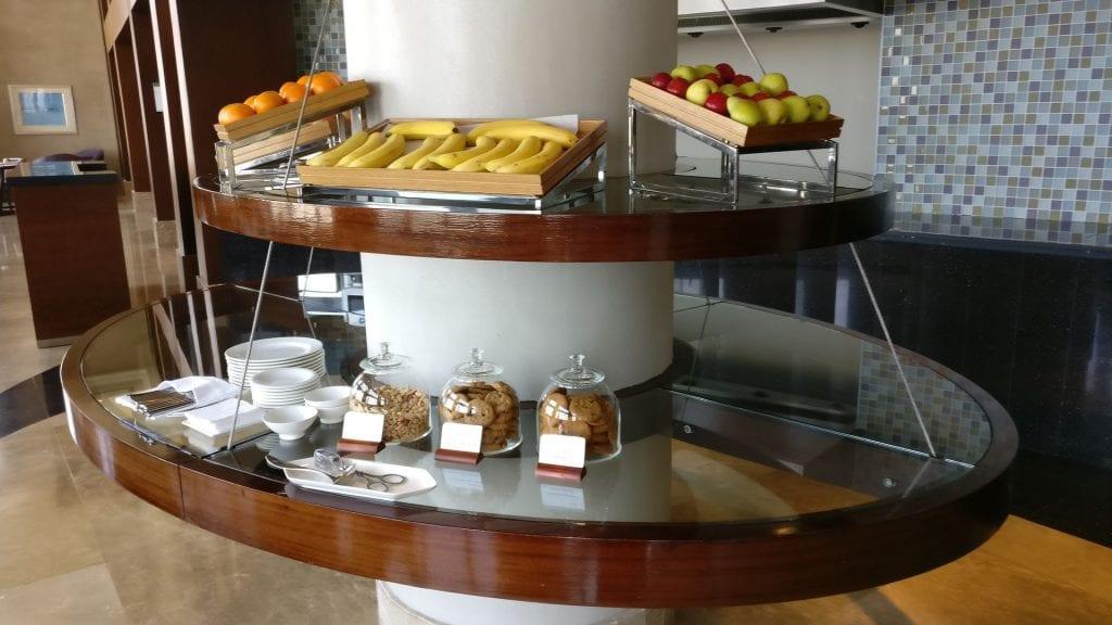 intercontinental abu dhabi club lounge snacks