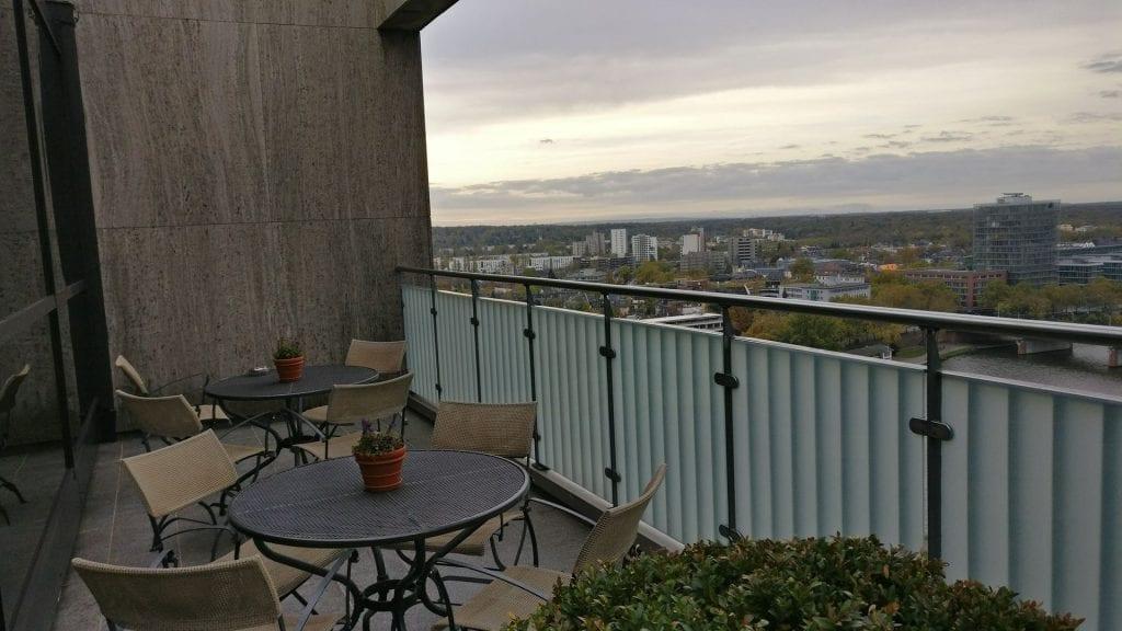 intercontinental frankfurt club lounge terrasse