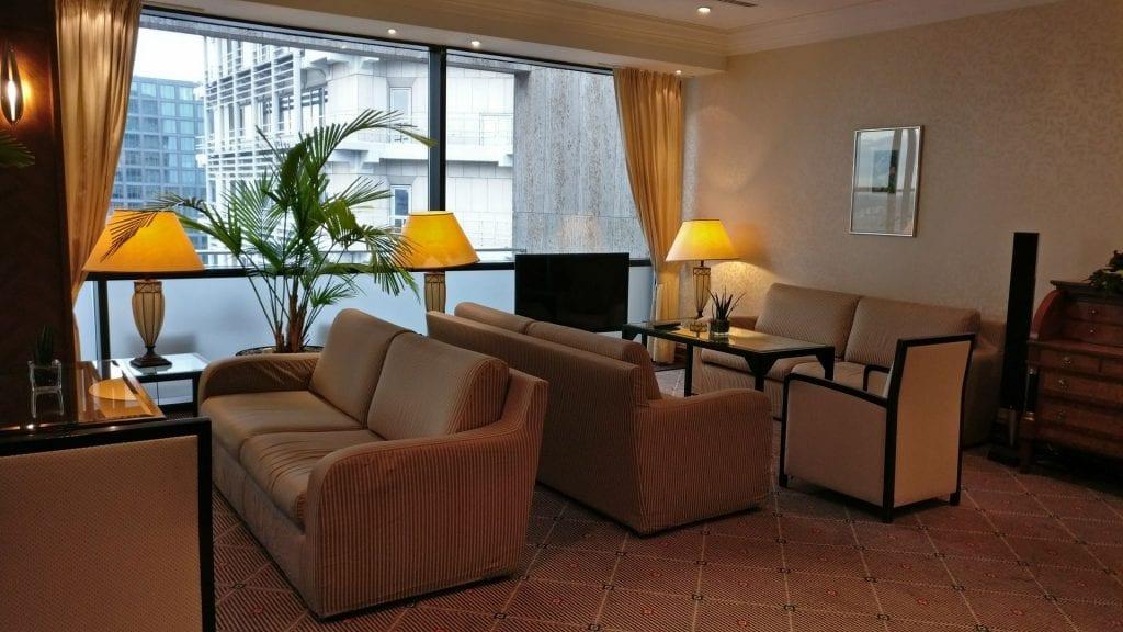 intercontinentall frankfurt club lounge sitzgelegenheiten