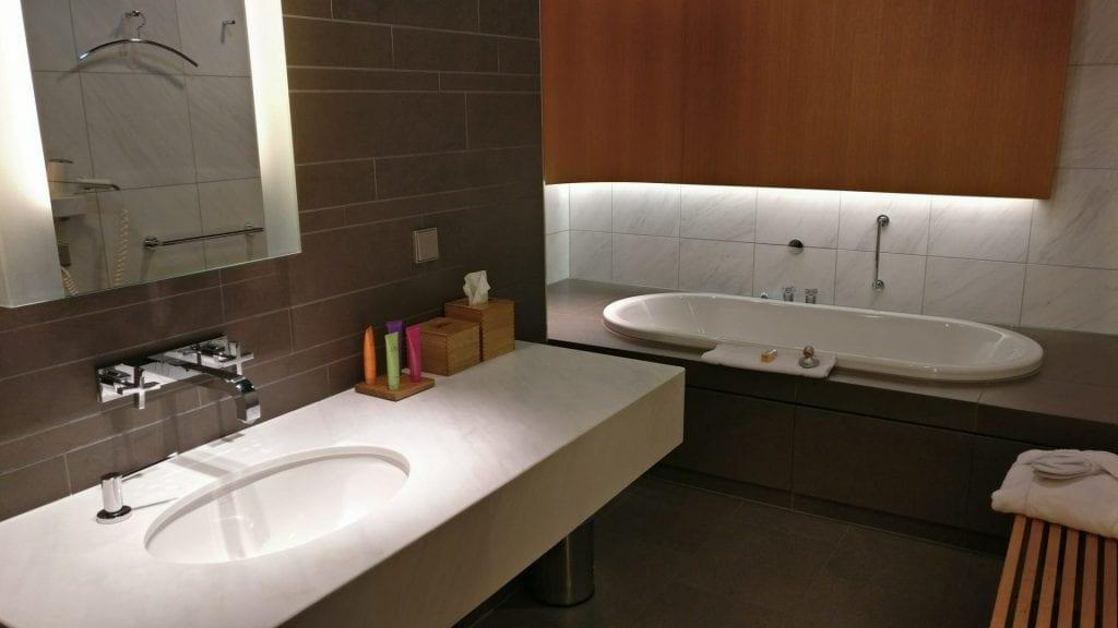 lufthansa first class lounge a badezimmer