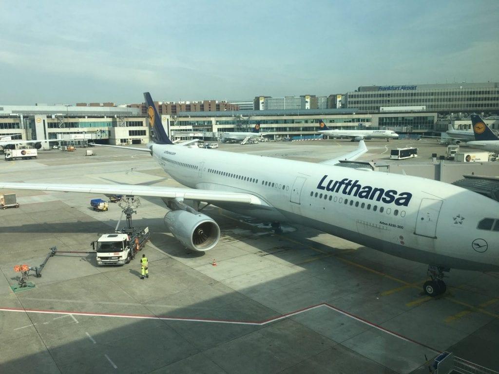 lufthansa first class lounge frankfurt b aussicht 2