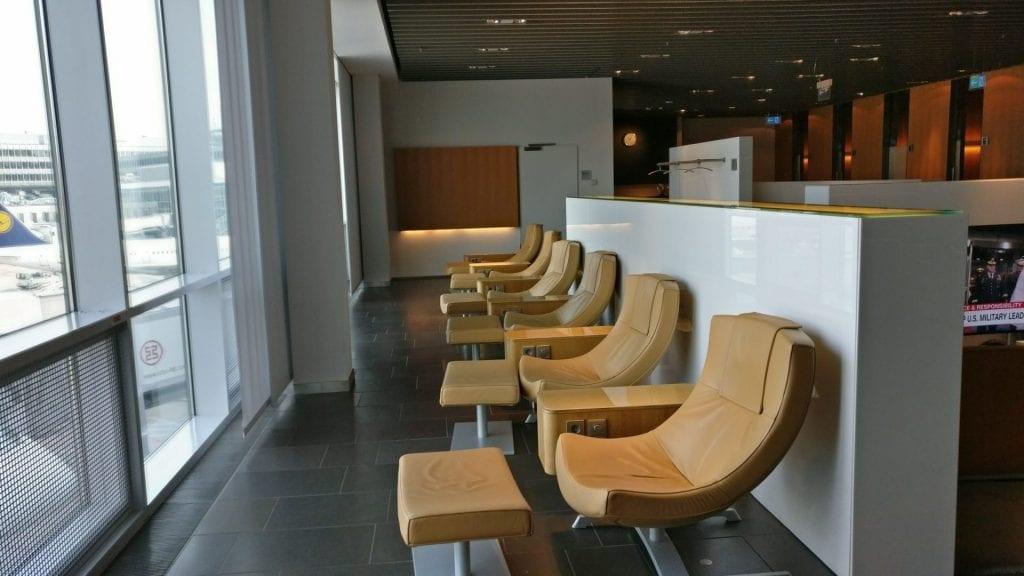 lufthansa first class lounge frankurt b sitze 3