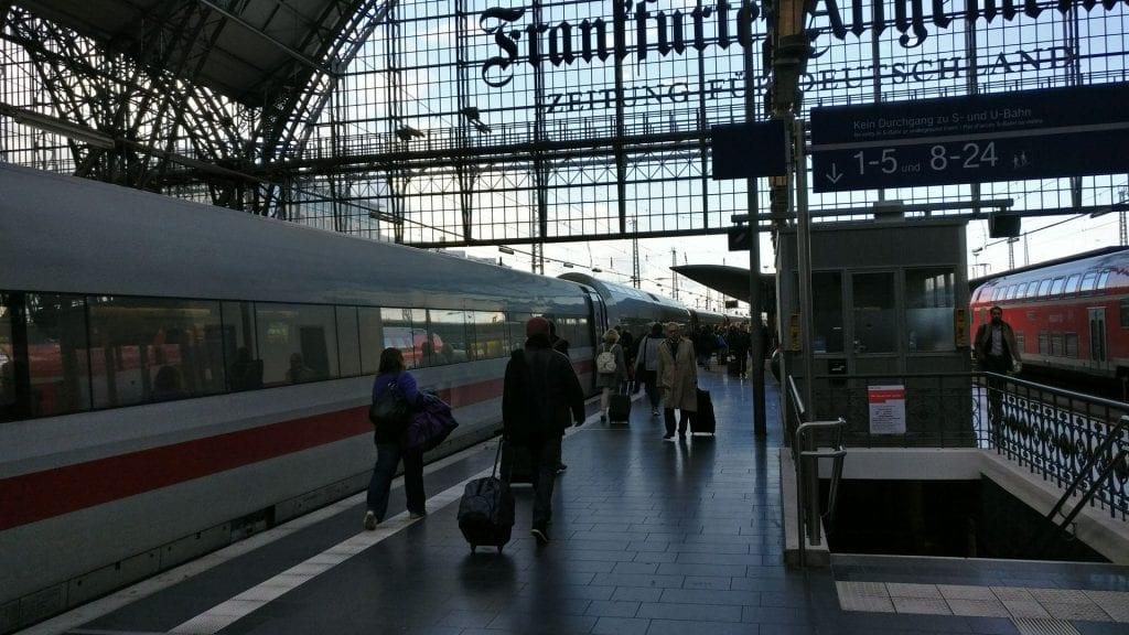 Frankfurt Hauptbahnhof ICE iata codes zrb
