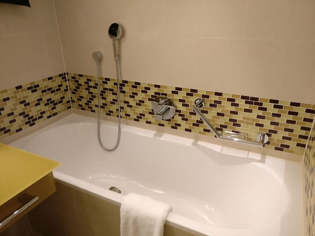 Hilton Frankfurt Airport Executive Suite Bathroom 4