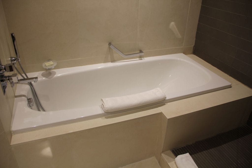 Hilton Malta Suite Bathroom