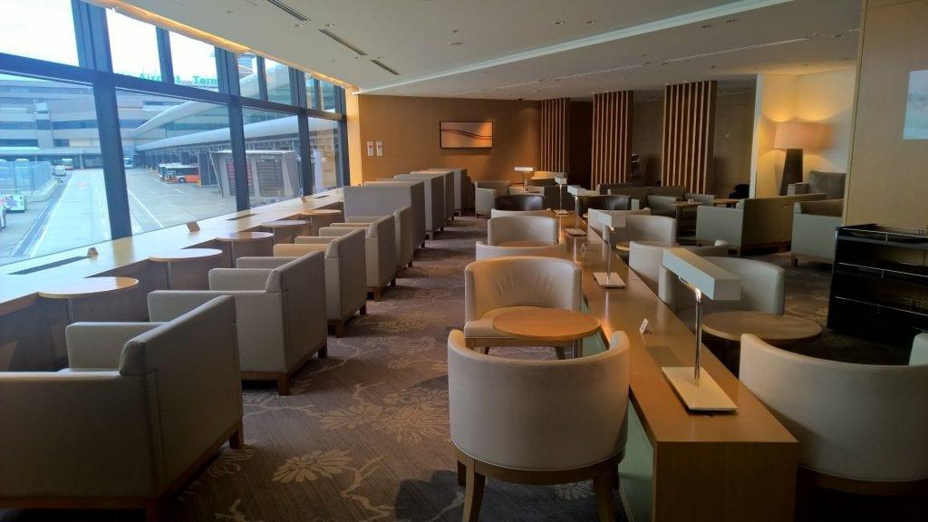 JAL Sakura Lounge Tokyo Narita Seating 4