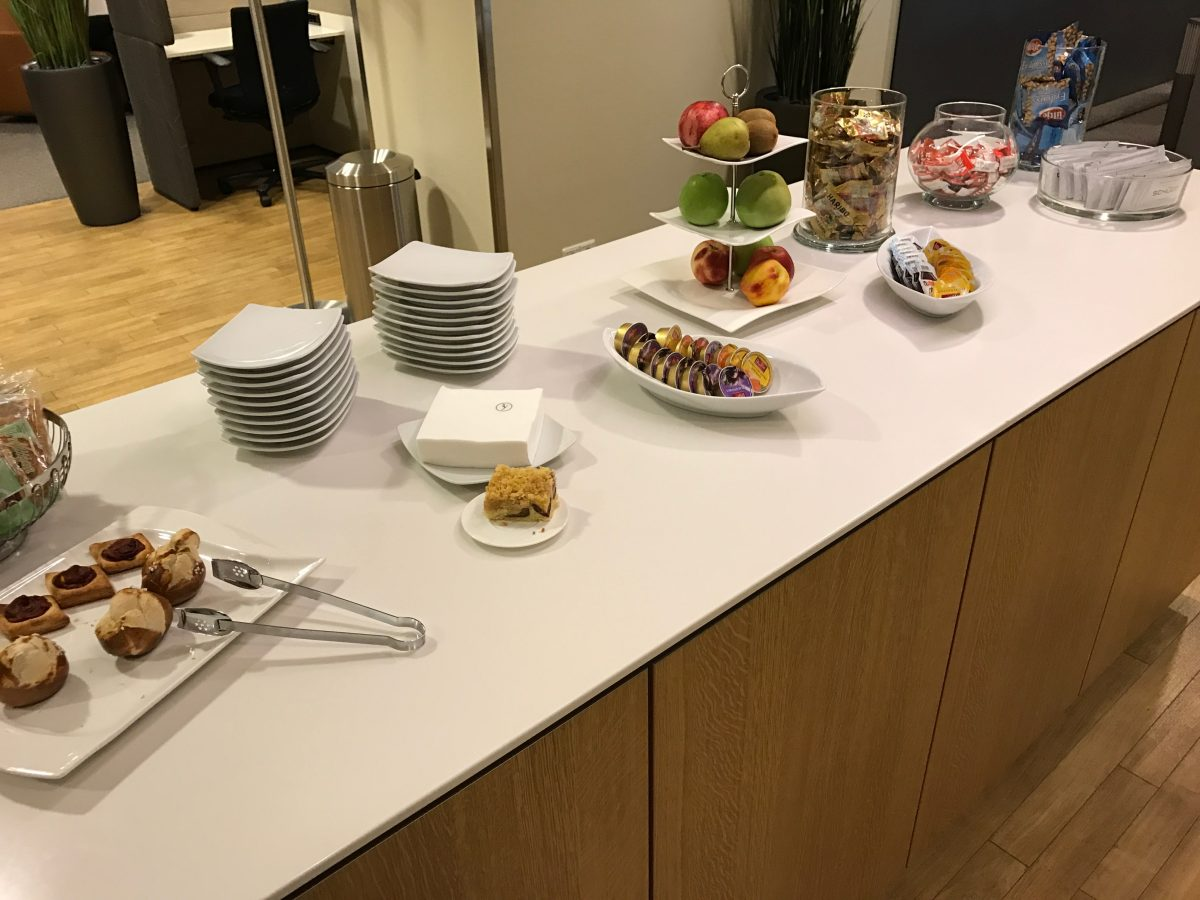 Lufthansa Business Lounge Leipzig Buffet 3