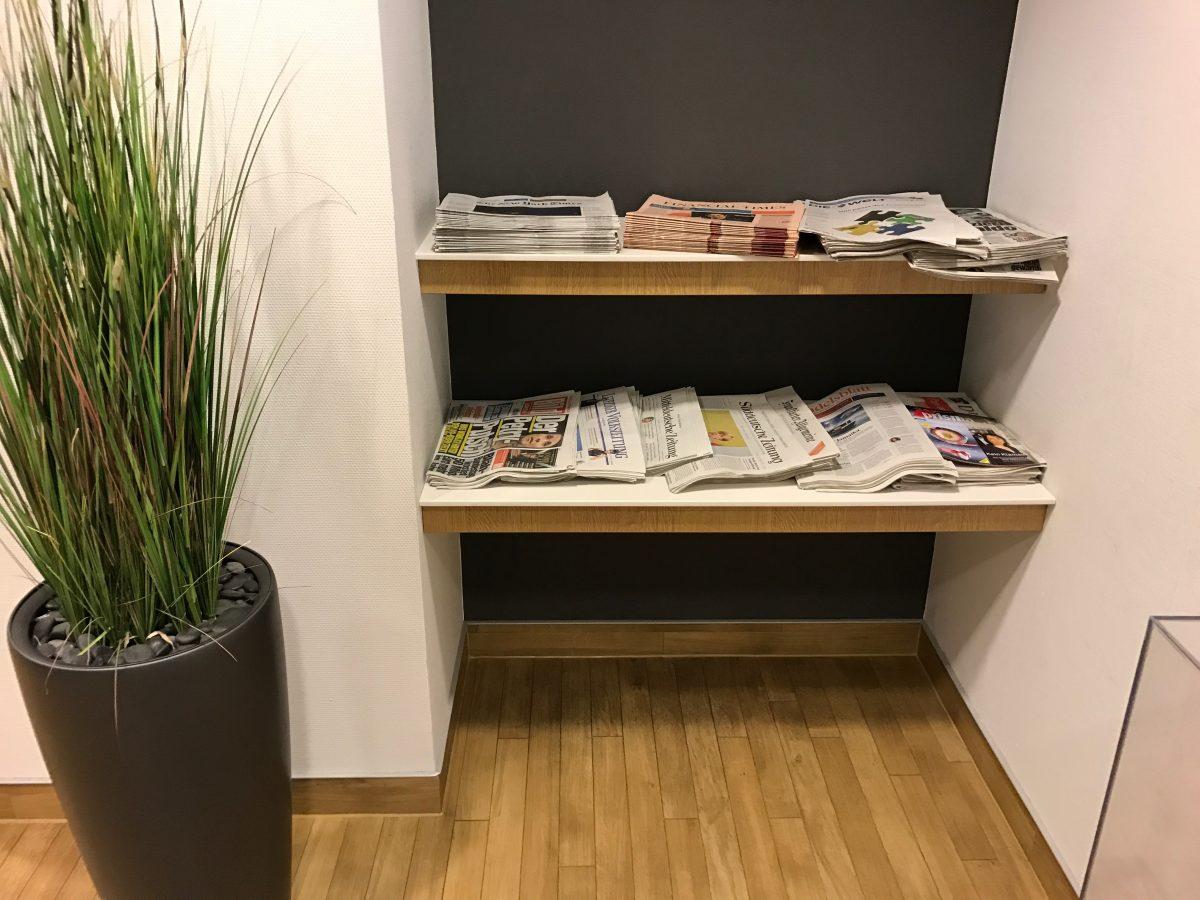 Lufthansa Business Lounge Leipzig Zeitungen