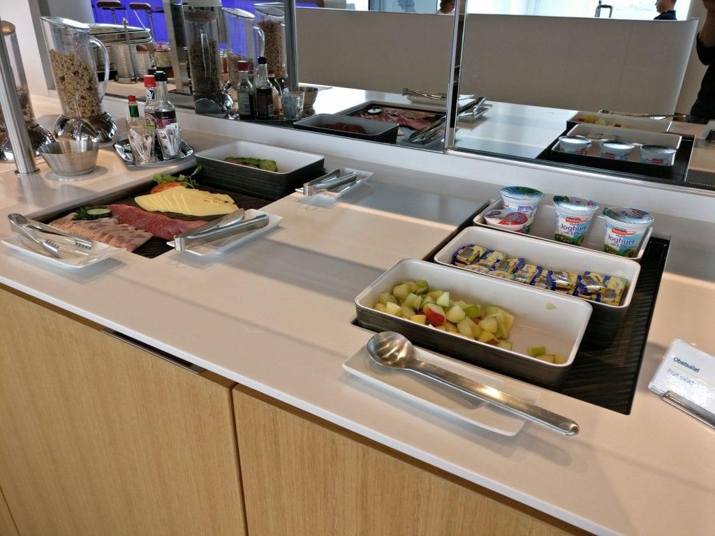 Lufthansa Business Lounge München L11 Buffet 3