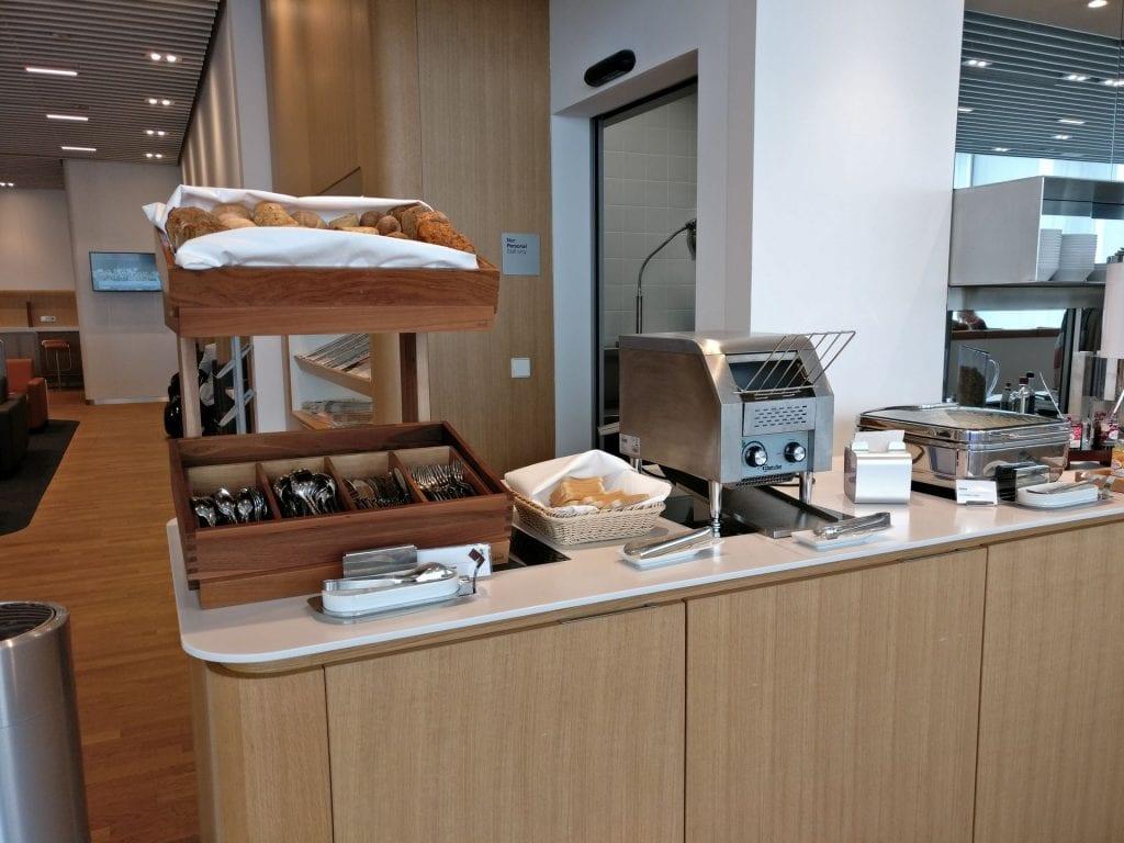 Lufthansa Business Lounge München L11 Buffet 6