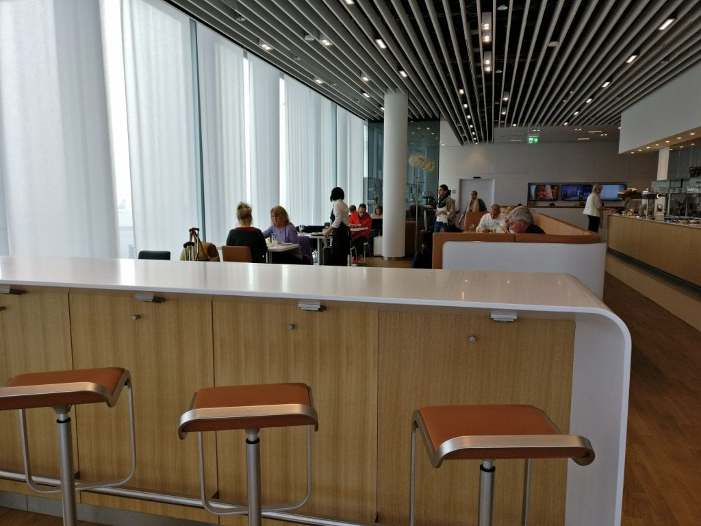 Lufthansa Business Lounge München L11 Seating 2