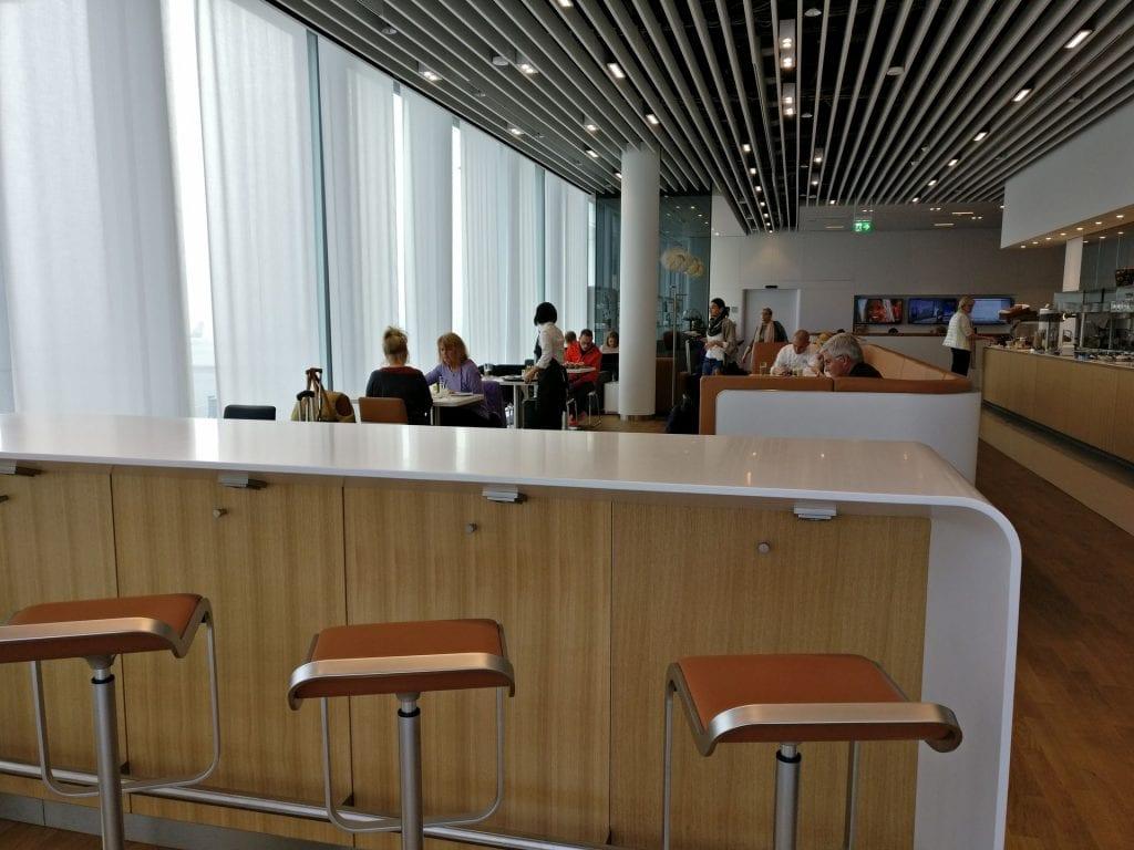 Lufthansa Business Lounge München L11 Seating 2