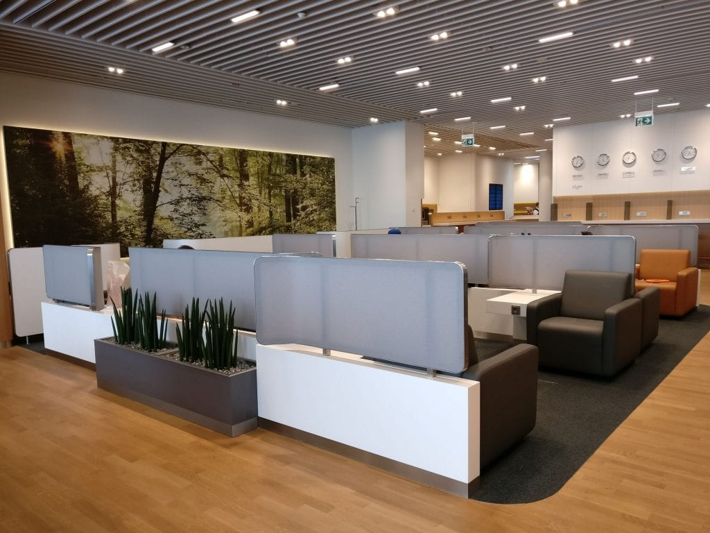 Lufthansa Business Lounge München L11 Seating 4
