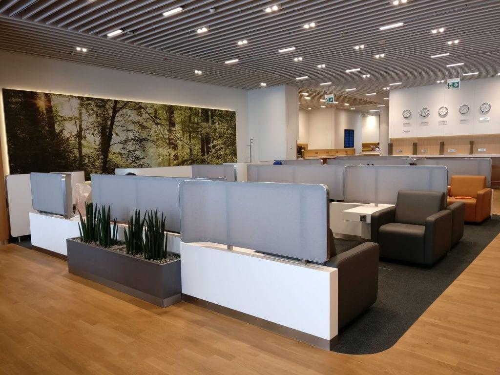 Lufthansa Business Lounge München L11 Seating 4