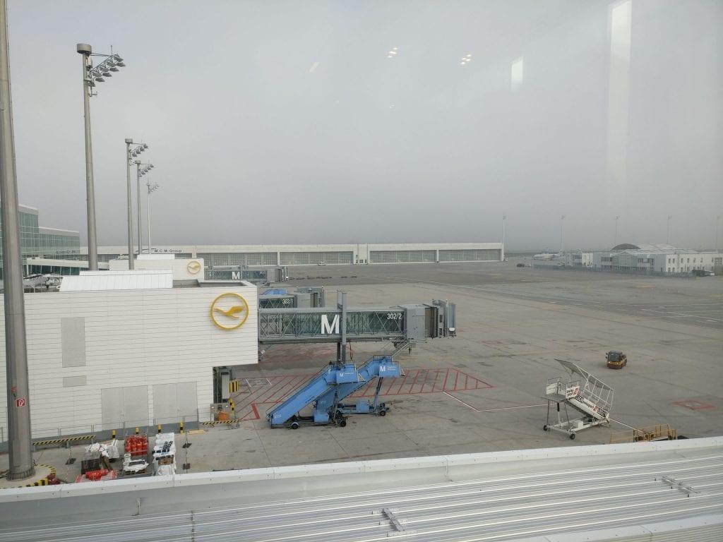 Lufthansa Business Lounge München L11 View