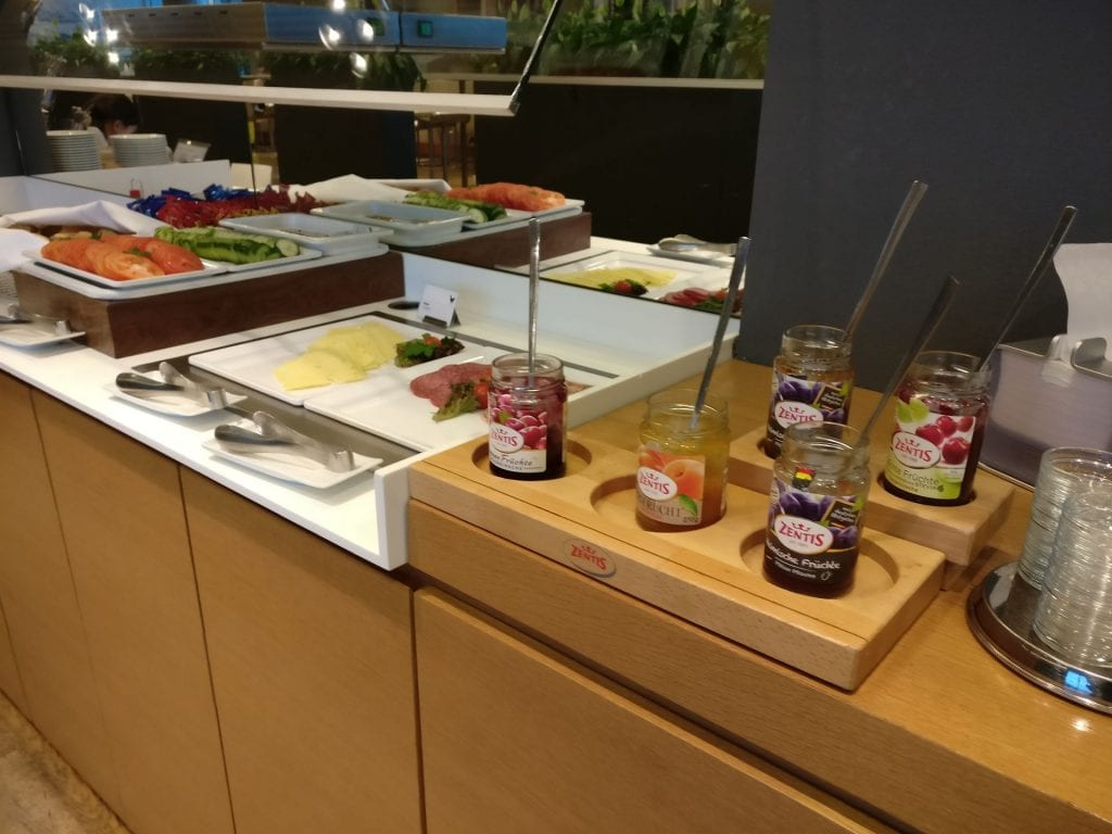 Lufthansa Business Lounge Non Schengen Munich Buffet 3