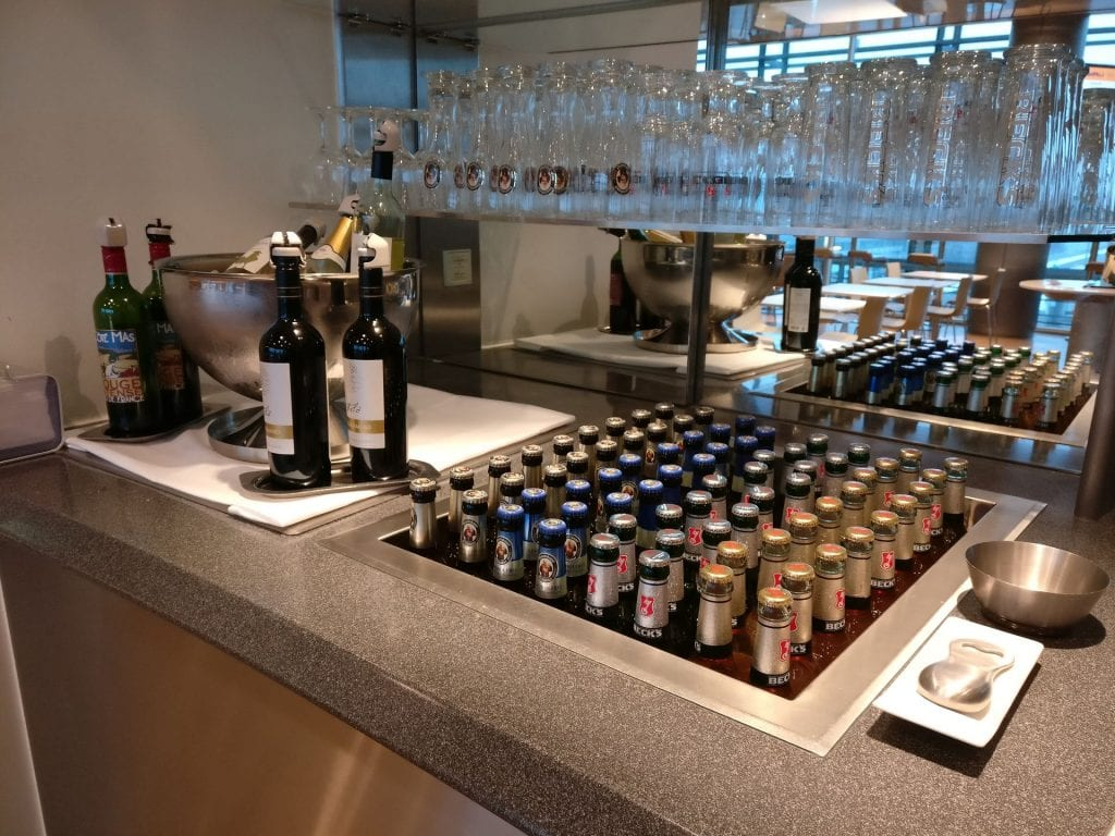Lufthansa Business Lounge Non Schengen Munich Buffet 4