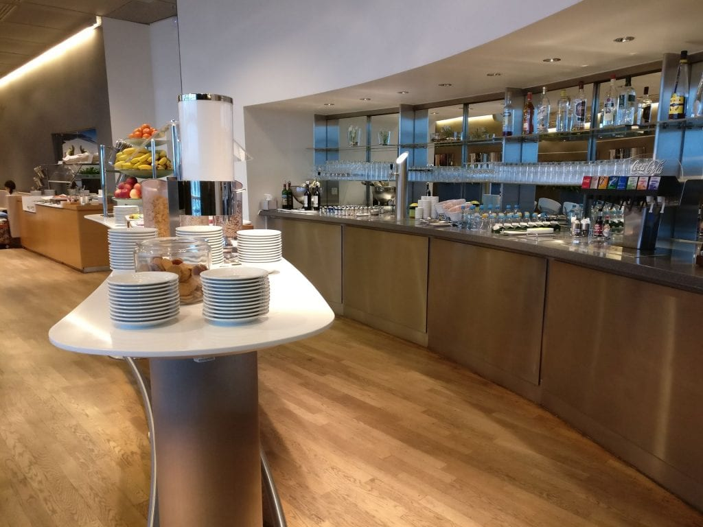 Lufthansa Business Lounge Non Schengen Munich Buffet 6