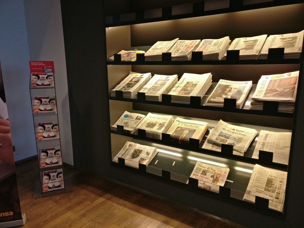 Lufthansa Business Lounge Non Schengen Munich Magazines