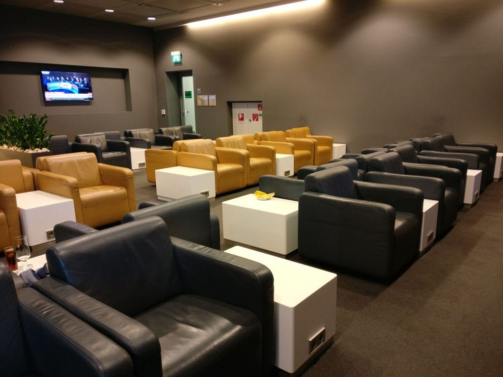 Lufthansa Business Lounge Non Schengen Munich Seating 3