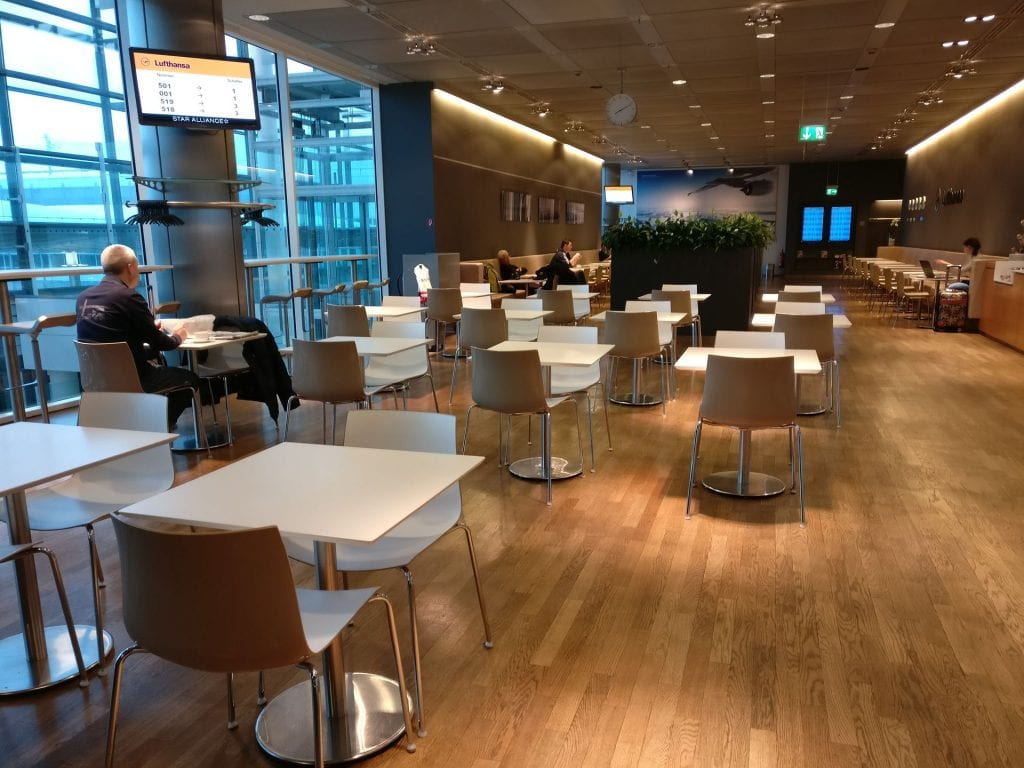 Lufthansa Business Lounge Non Schengen Munich Seating 4