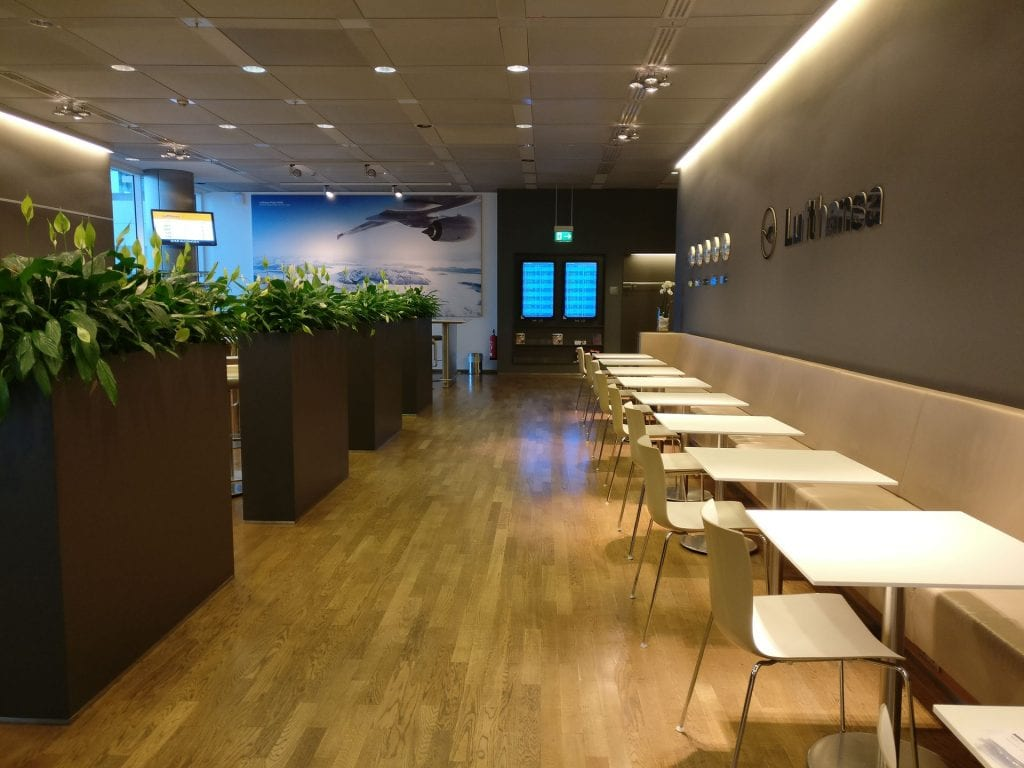Lufthansa Business Lounge Non Schengen Munich Seating 6