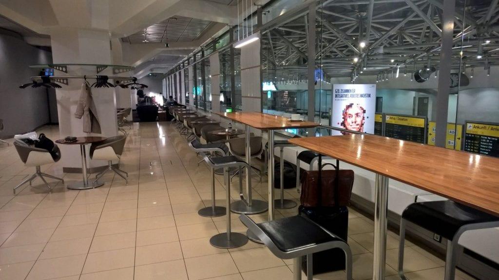 Lufthansa Senator Lounge Berlin Sitzbereich 4
