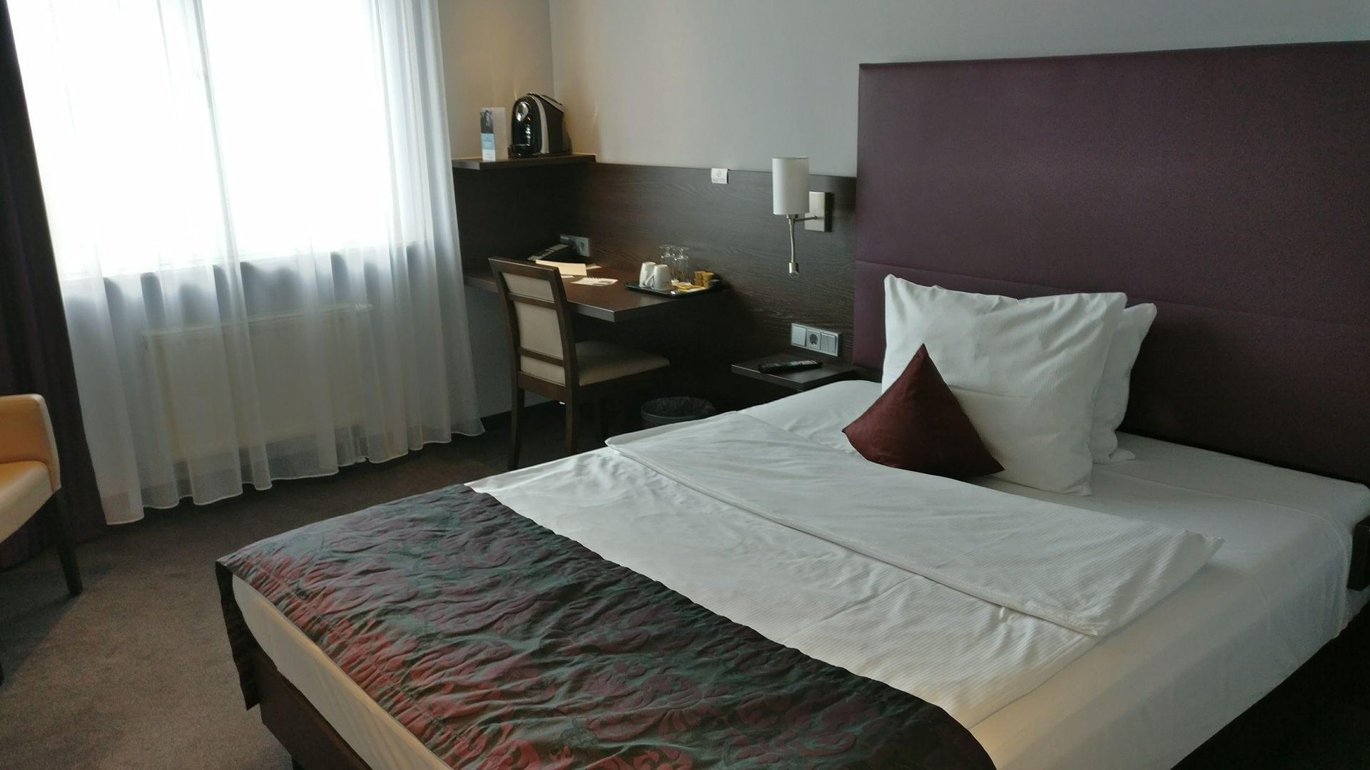 bett frankfurt cool ikea askvoll bett betten with bett frankfurt interesting das with bett. Black Bedroom Furniture Sets. Home Design Ideas