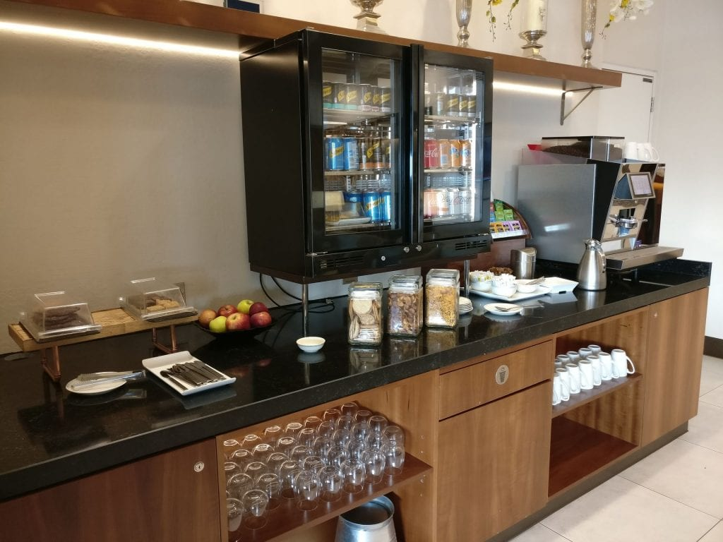 Singapore Airlines Lounge London Heathrow Buffet 5