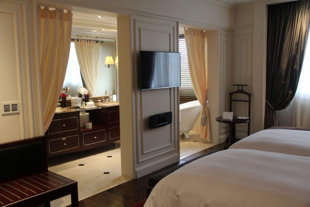 Sofitel Legend Metropole Grand Deluxe Room 7