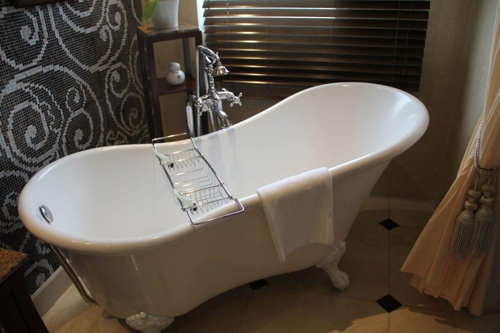 Sofitel Legend Metropole Grand Deluxe Room Bathroom 5