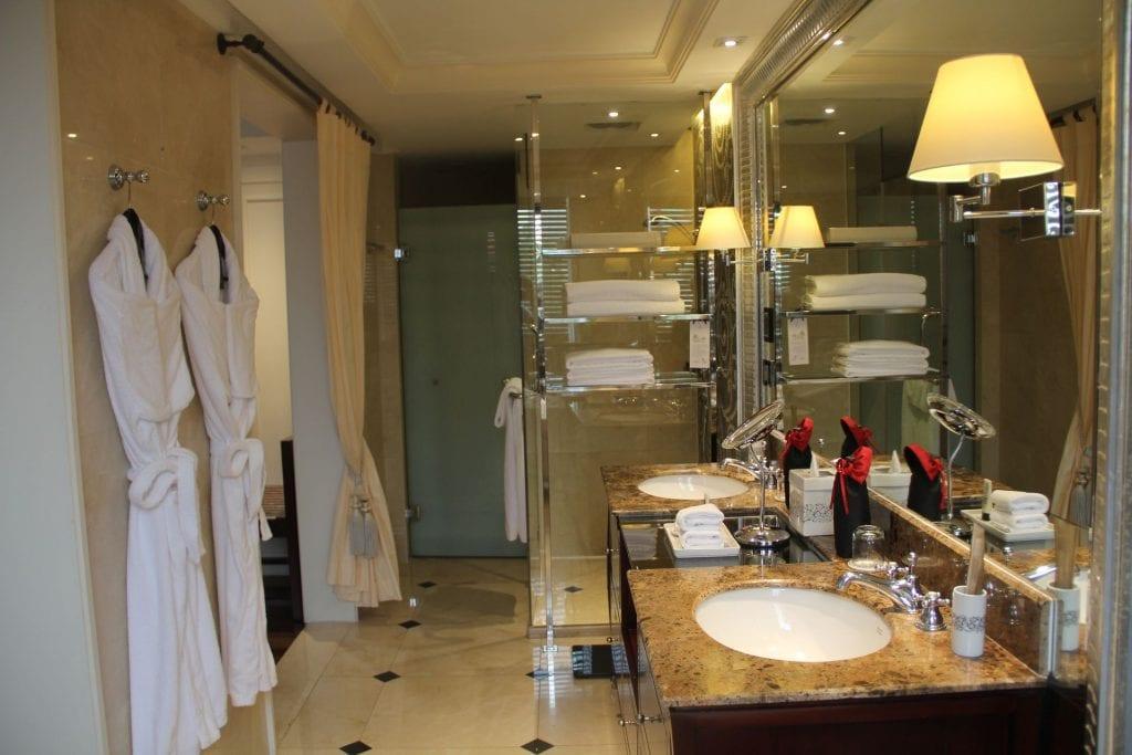 Sofitel Legend Metropole Grand Deluxe Room Bathroom 7