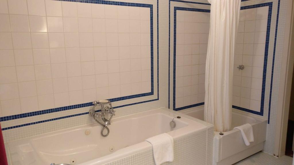 hotel die hirschgasse heidelberg suite badezimmer 3