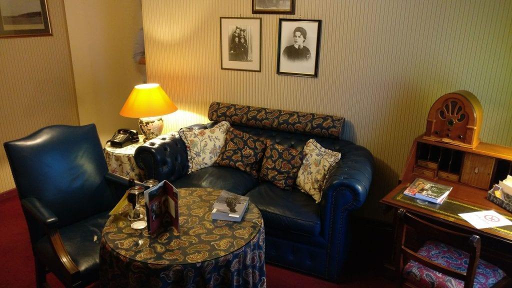 hotel die hirschgasse heidelberg suite wohnzimmer 2
