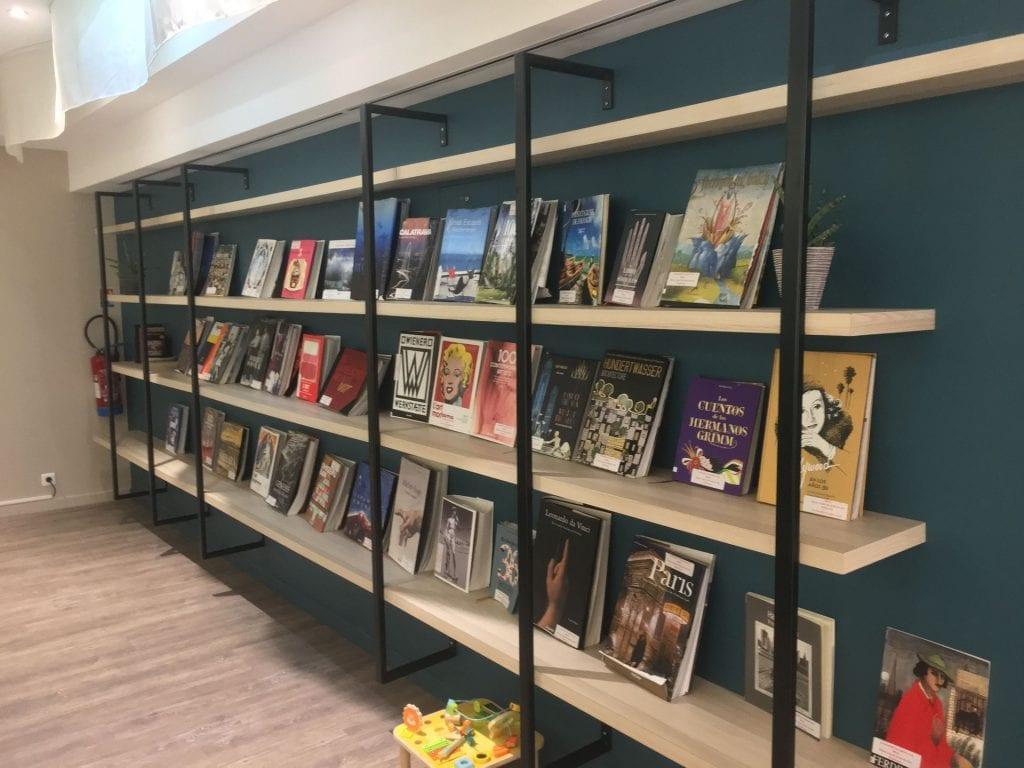library lounge nizza bibliothek