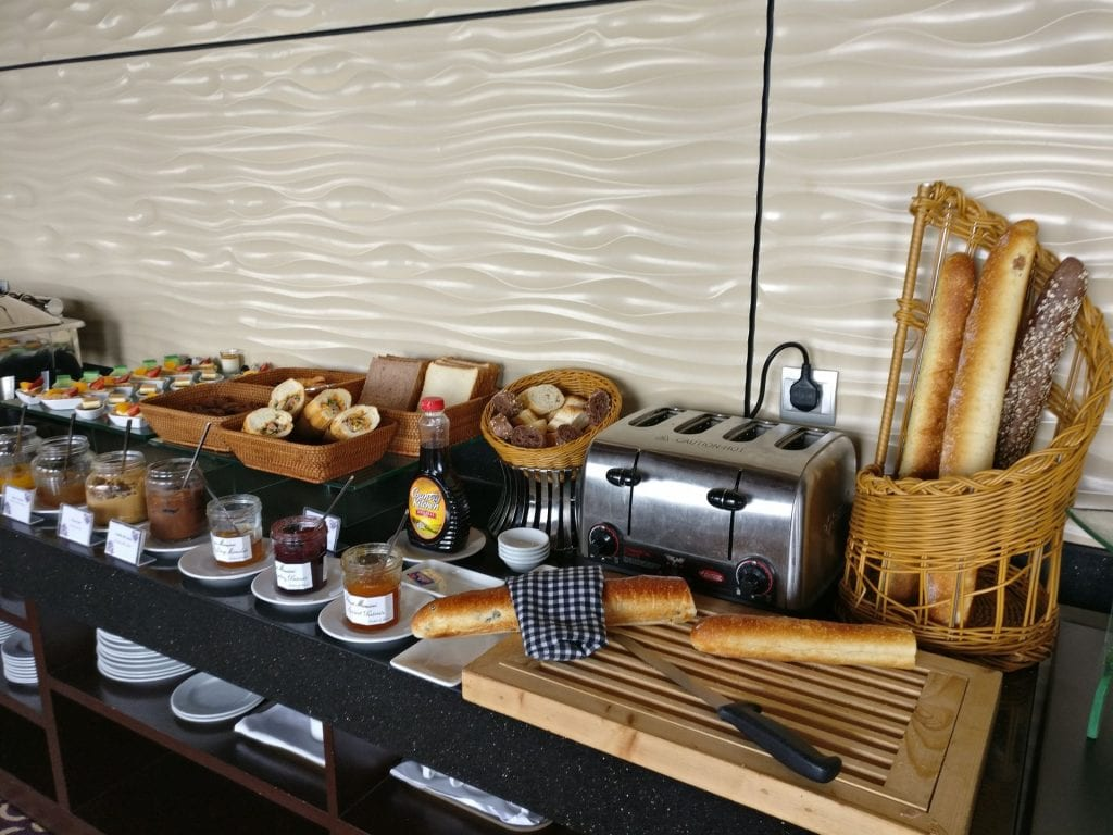 Grand Mercure Danang Executive Lounge Breakfast 4