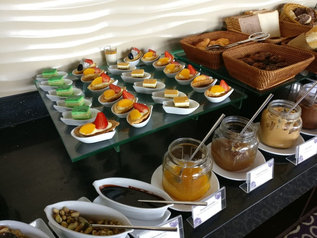 Grand Mercure Danang Executive Lounge Breakfast 5